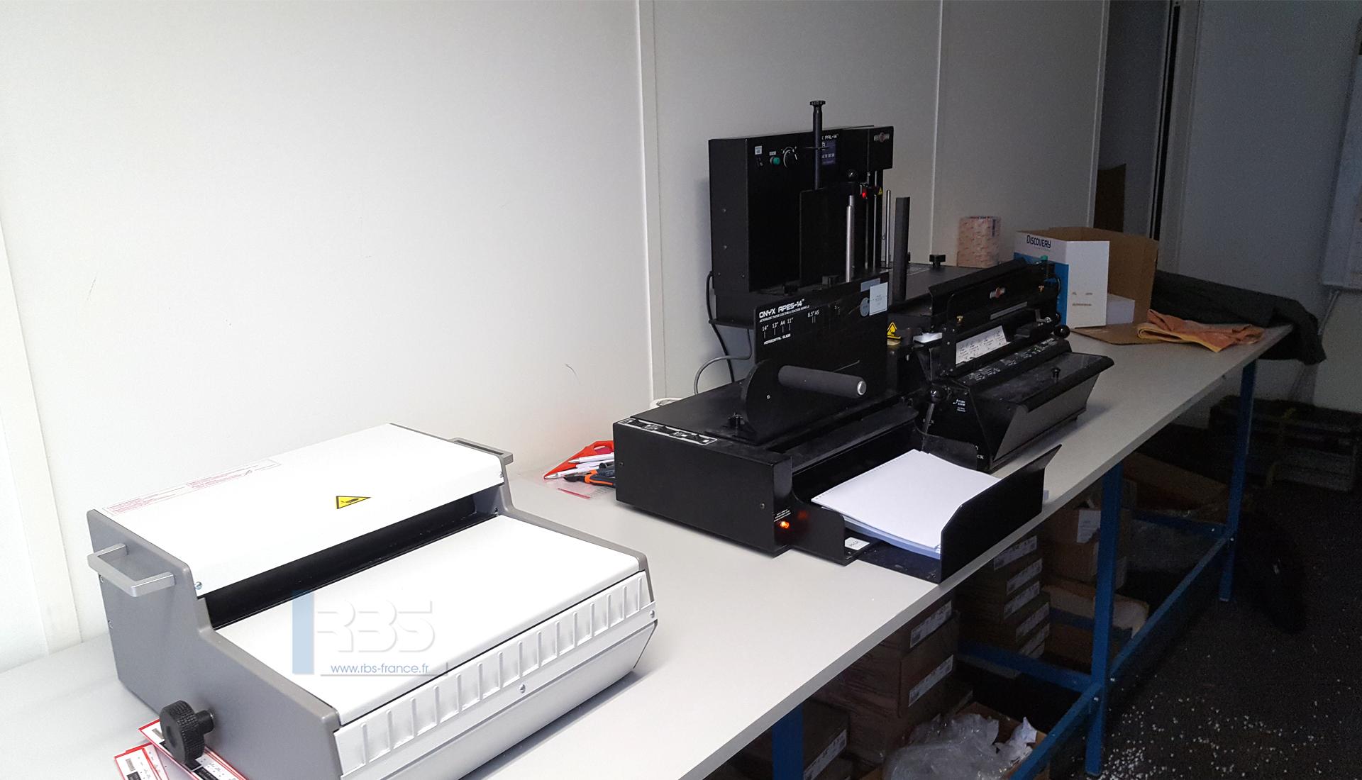 Module De Reliure Automatique 3 En 1 Pps Onyx Hd 7700 Ultima Et Wbs 3600 En Atelier De Reprographie