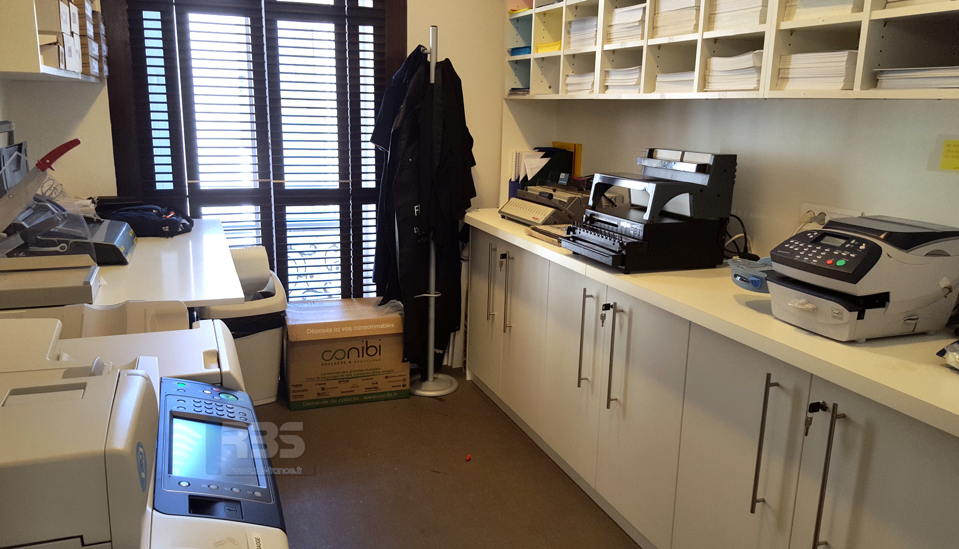 Relier Vos Documents Par Anneaux Metalliques Avec Onyx Od4012 Et Reliure Wbs 2600 En Salle Courrier