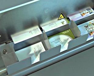 Exemple de découpeuse de cartes de visite